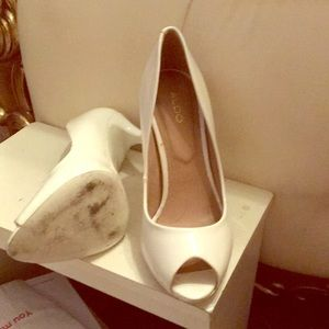 Aldo shoes white size 6
